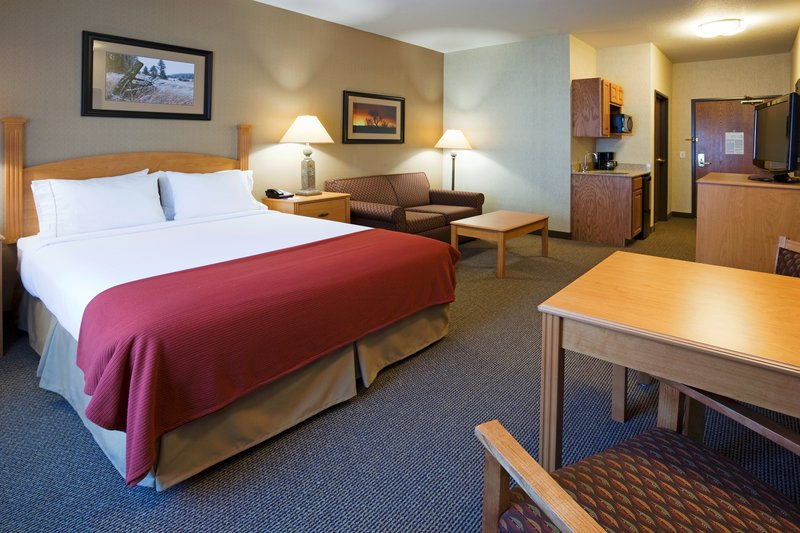 Holiday Inn Express & Suites Custer-Suite<br/>Image from Leonardo