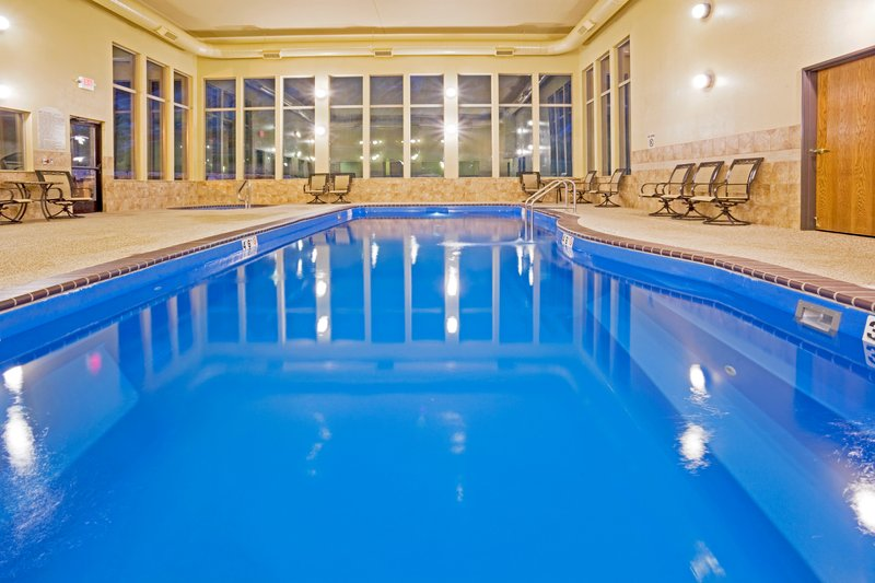 Holiday Inn Express & Suites Custer-Swimming Pool<br/>Image from Leonardo