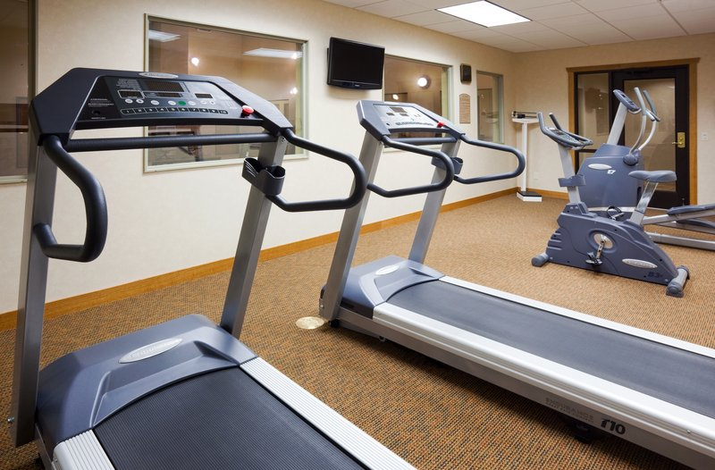 Holiday Inn Express & Suites Custer-Fitness Center<br/>Image from Leonardo