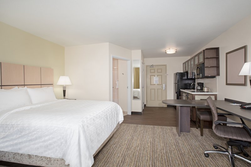 Candlewood Suites Cheyenne-Studio Suite 1 Queen Bed Nonsmoking <br/>Image from Leonardo