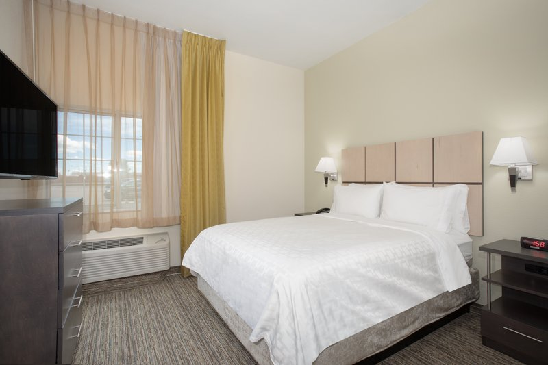 Candlewood Suites Cheyenne-1 Bedroom Suite 1 Queen Bed Nonsmoking <br/>Image from Leonardo