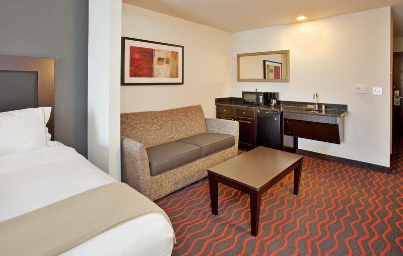 Holiday Inn Express & Suites Festus - South St. Louis-ADA compliant two queen suite w/ sofa sleeper extra spacious!!<br/>Image from Leonardo