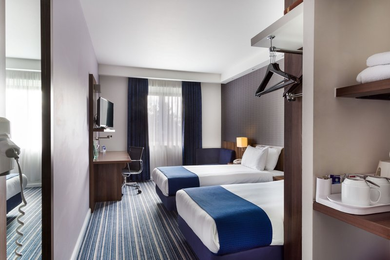 Holiday Inn Express Colchester-Guest Room<br/>Image from Leonardo