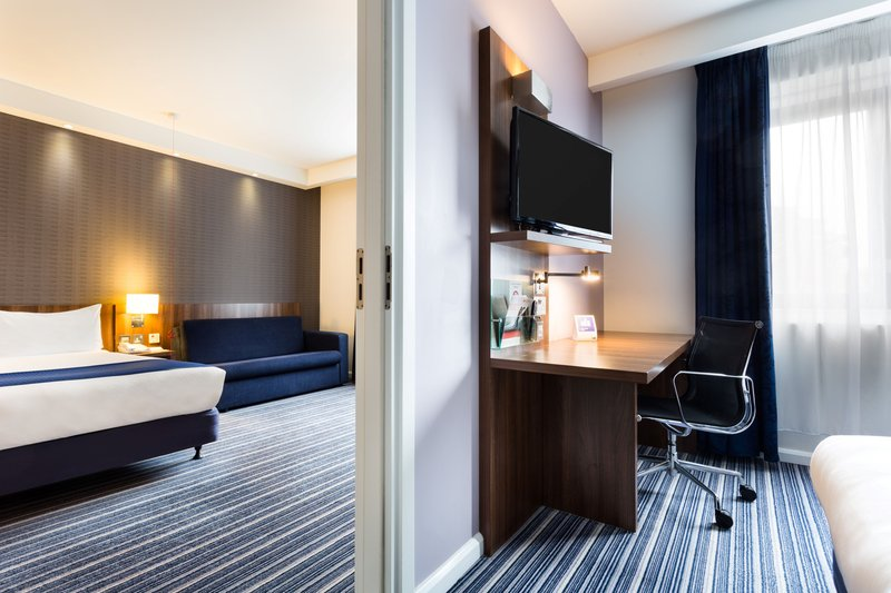 Holiday Inn Express Colchester-Adjoining Room<br/>Image from Leonardo