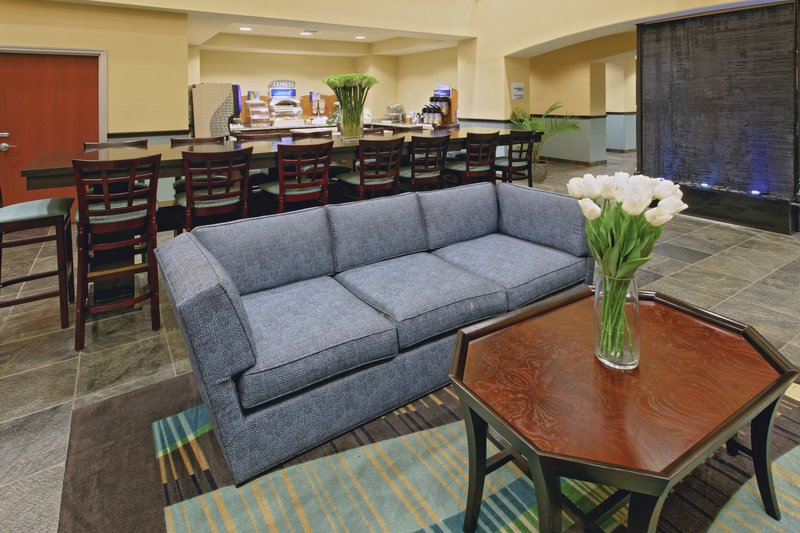 Holiday Inn Express and Suites Weatherford-Weatherford Hotel Guest Dining Lounge<br/>Image from Leonardo