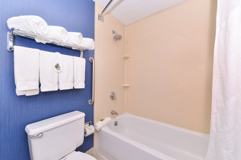 Holiday Inn Express Worcester Downtown-Clean and Comfortable Guestroom Bath<br/>Image from Leonardo