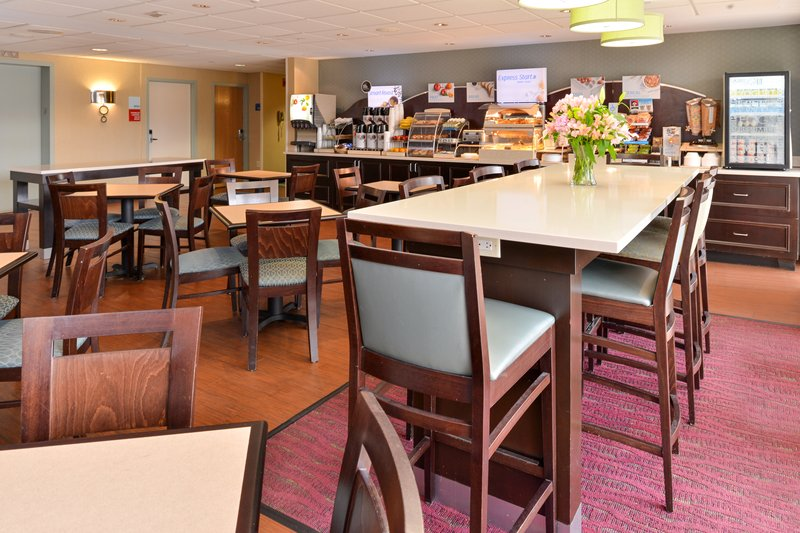 Holiday Inn Express Worcester Downtown-Nicely Appointed Breakfast Room<br/>Image from Leonardo