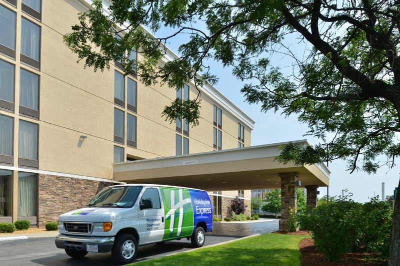 Holiday Inn Express Worcester Downtown-Hotel Front Entry & Shuttle Van<br/>Image from Leonardo