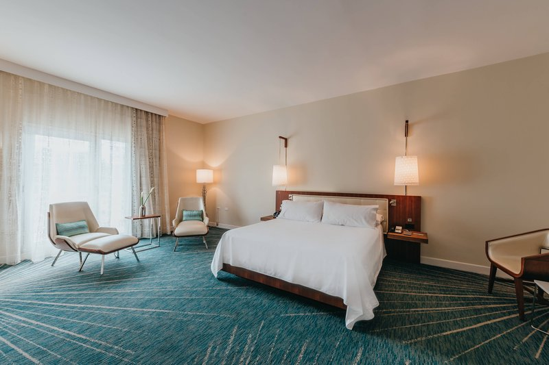 Renaissance Aruba Resort & Casino - Executive Suite - Bedroom <br/>Image from Leonardo