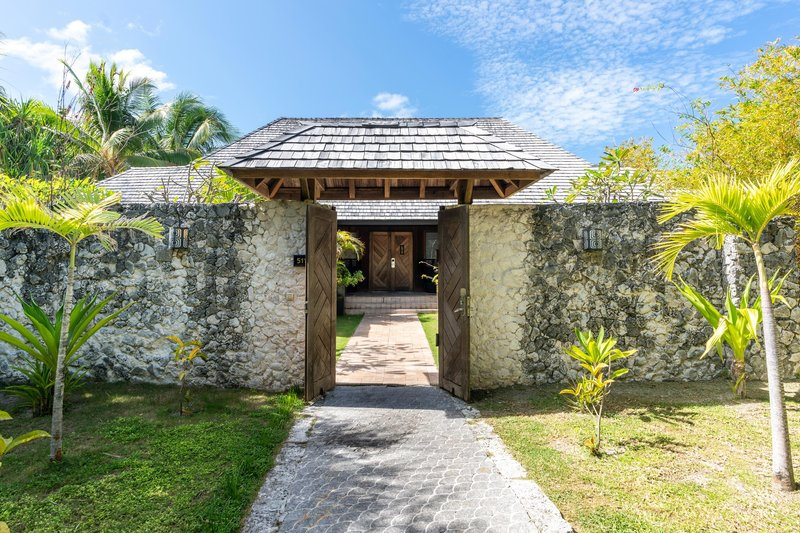 St Regis Resort Bora Bora - Two Bedrooms Garden Suite Villa With Pool Entrance <br/>Image from Leonardo