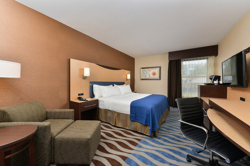 Holiday Inn Cody-At Buffalo Bill Village-King room 3<br/>Image from Leonardo