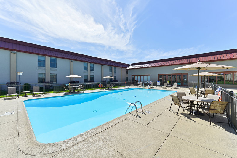 Holiday Inn Cody-At Buffalo Bill Village-Heated Outdoor Pool<br/>Image from Leonardo