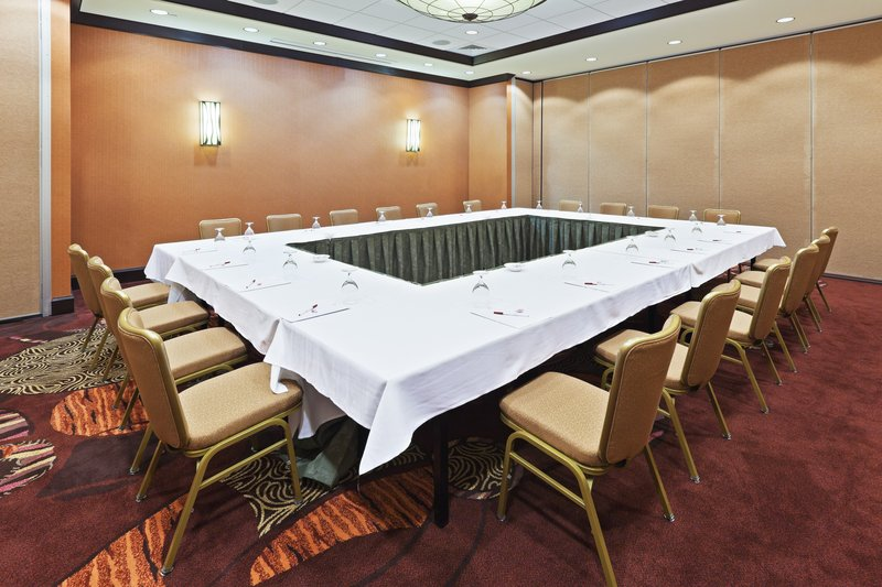 Crowne Plaza Dallas Downtown-Meeting Room<br/>Image from Leonardo