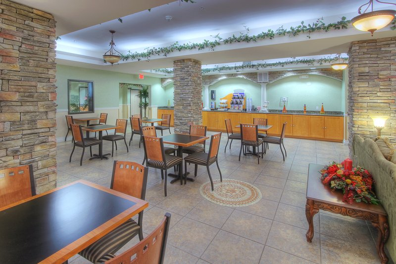 Holiday Inn Express & Suites Carlsbad-Breakfast Area<br/>Image from Leonardo