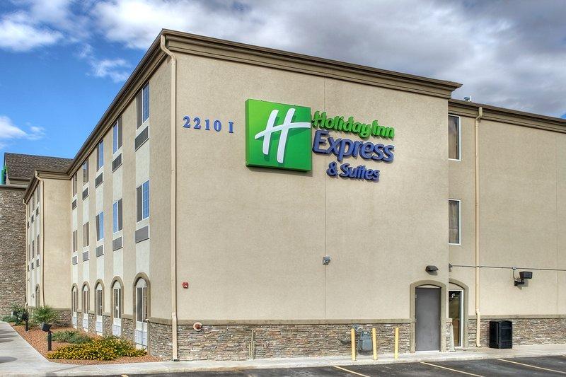 Holiday Inn Express & Suites Carlsbad-Hotel Exterior<br/>Image from Leonardo