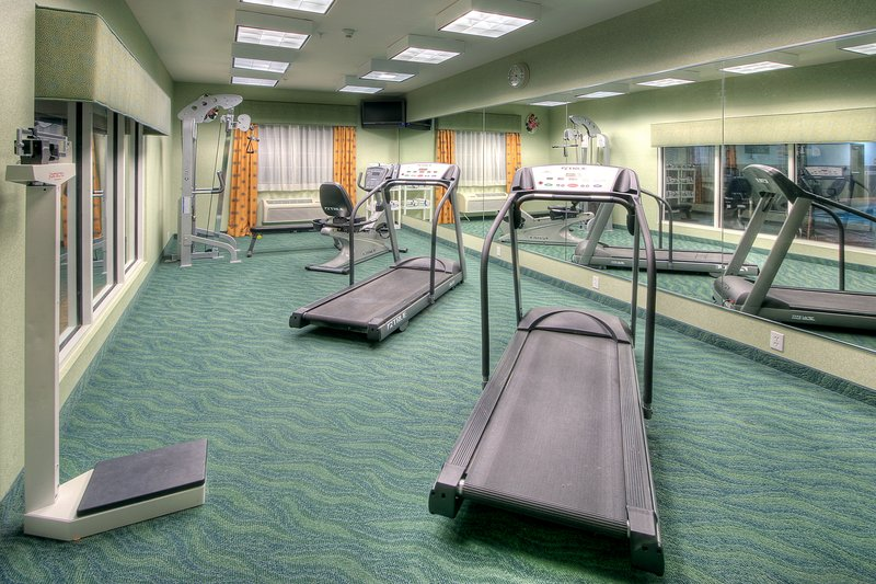 Holiday Inn Express & Suites Carlsbad-Fitness Center<br/>Image from Leonardo