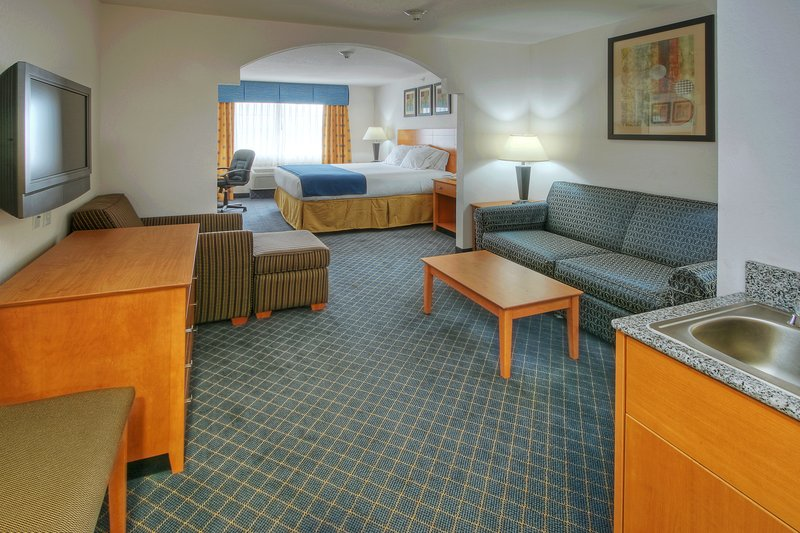 Holiday Inn Express & Suites Carlsbad-ONE KING SUITE WITH SOFA BED<br/>Image from Leonardo