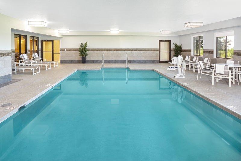 Holiday Inn Express Sheboygan-Kohler (I-43)-Swimming Pool<br/>Image from Leonardo