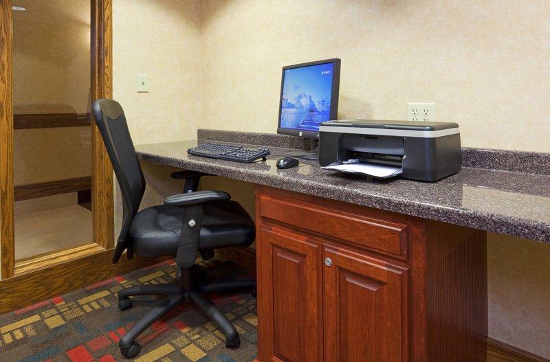 Holiday Inn Express Sheboygan-Kohler (I-43)-Business Center<br/>Image from Leonardo