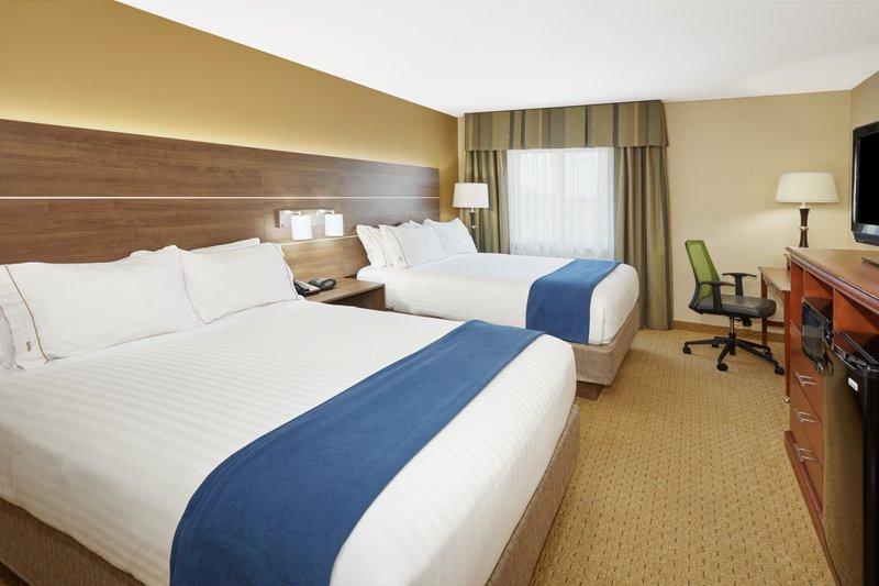 Holiday Inn Express Sheboygan-Kohler (I-43)-Double Bed Guest Room<br/>Image from Leonardo