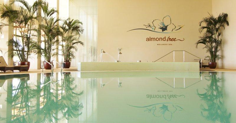 Crowne Plaza Vilamoura - Algarve-Spa pool<br/>Image from Leonardo