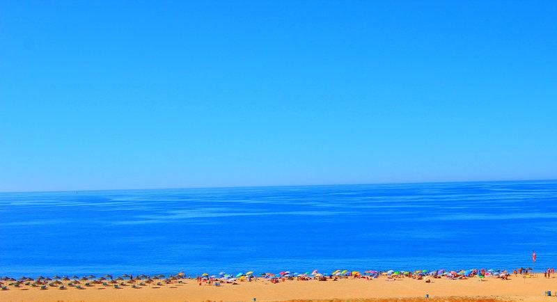 Crowne Plaza Vilamoura - Algarve-Beach in front of the hotel<br/>Image from Leonardo