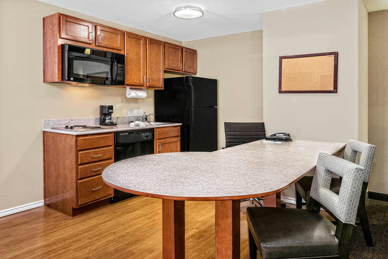 Candlewood Suites Galveston-Guest Room<br/>Image from Leonardo