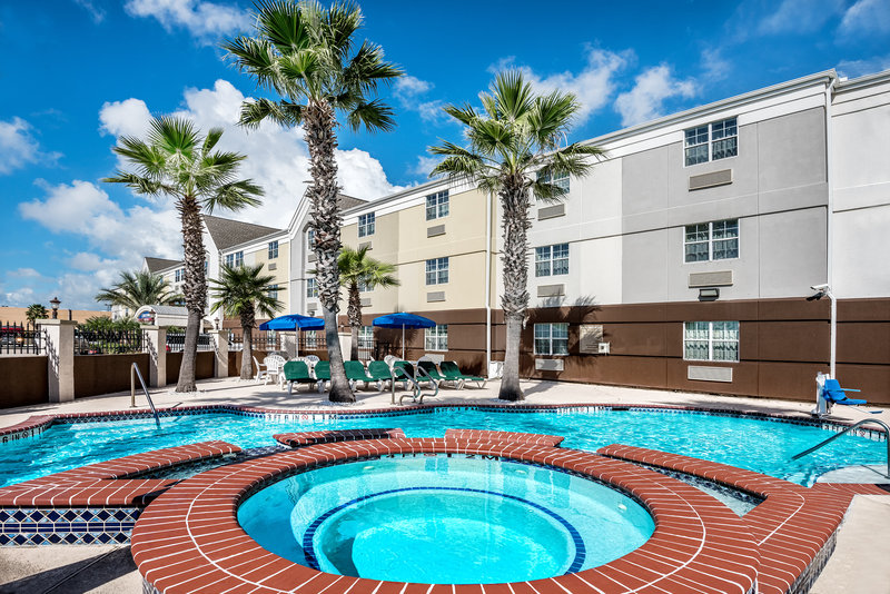 Candlewood Suites Galveston-Swimming Pool<br/>Image from Leonardo