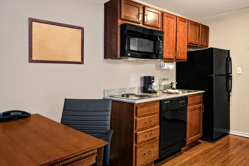 Candlewood Suites Galveston-Full size Appliances, Stove Top, Dishes included, etc<br/>Image from Leonardo