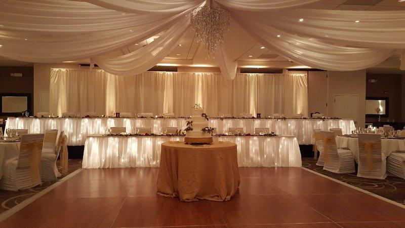 Holiday Inn Hotel & Suites Bloomington - Airport-Beautiful space for wedding receptions and ballroom functions.<br/>Image from Leonardo