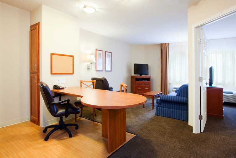 Candlewood Suites New Bern-One Bed room Suite<br/>Image from Leonardo