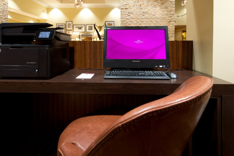 Crowne Plaza Albuquerque-Catch up on emails in the Business Center<br/>Image from Leonardo