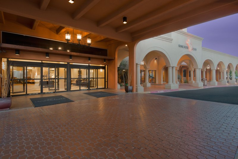 Crowne Plaza Albuquerque-Welcome to Crowne Plaza Albuquerque<br/>Image from Leonardo
