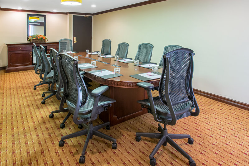 Crowne Plaza Albuquerque-Gomez Boardroom<br/>Image from Leonardo