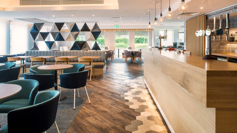 Holiday Inn Express Oxford - Kassam Stadium-Lobby Bar<br/>Image from Leonardo