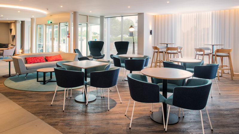 Holiday Inn Express Oxford - Kassam Stadium-Lobby Lounge<br/>Image from Leonardo