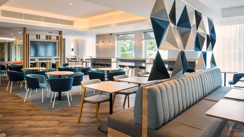 Holiday Inn Express Oxford - Kassam Stadium-Breakfast Area<br/>Image from Leonardo