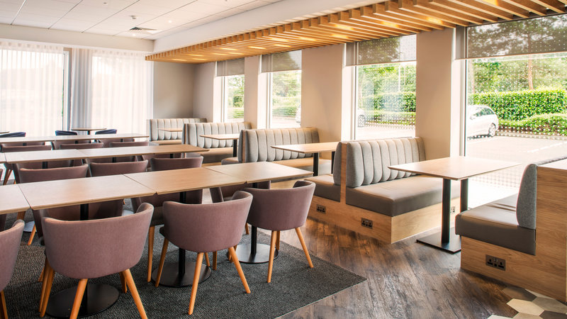 Holiday Inn Express Oxford - Kassam Stadium-Restaurant<br/>Image from Leonardo