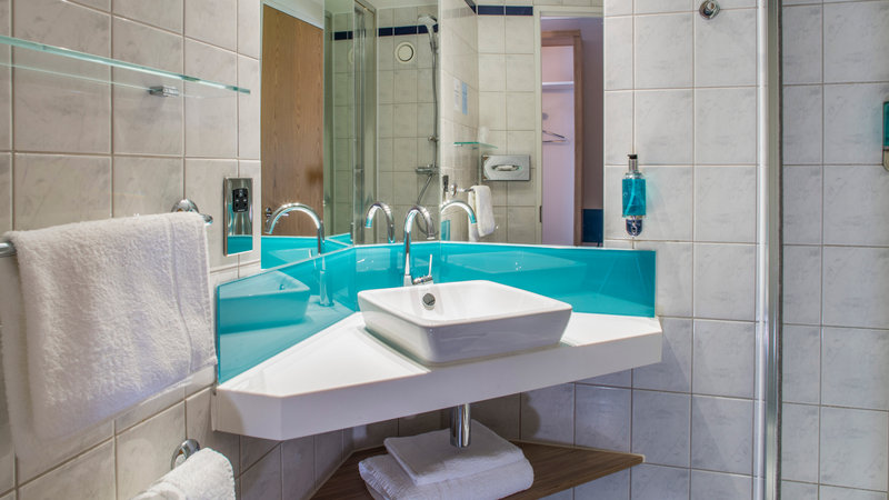 Holiday Inn Express Oxford - Kassam Stadium-Guest Bathroom<br/>Image from Leonardo