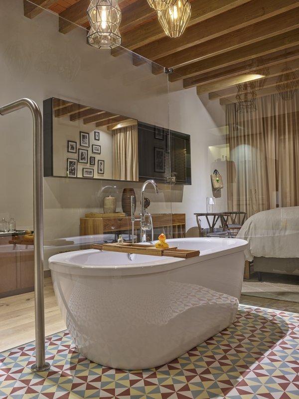 Live Aqua San Miguel Allende-Bathroom <br/>Image from Leonardo