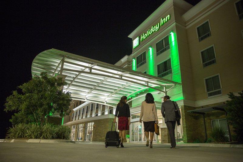 Holiday Inn Long Island Islip Arpt East-Hotel Exterior<br/>Image from Leonardo