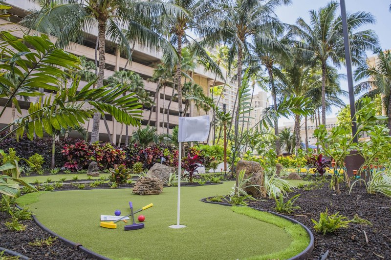 Courtyard by Marriott Waikiki-Miniature Golf<br/>Image from Leonardo