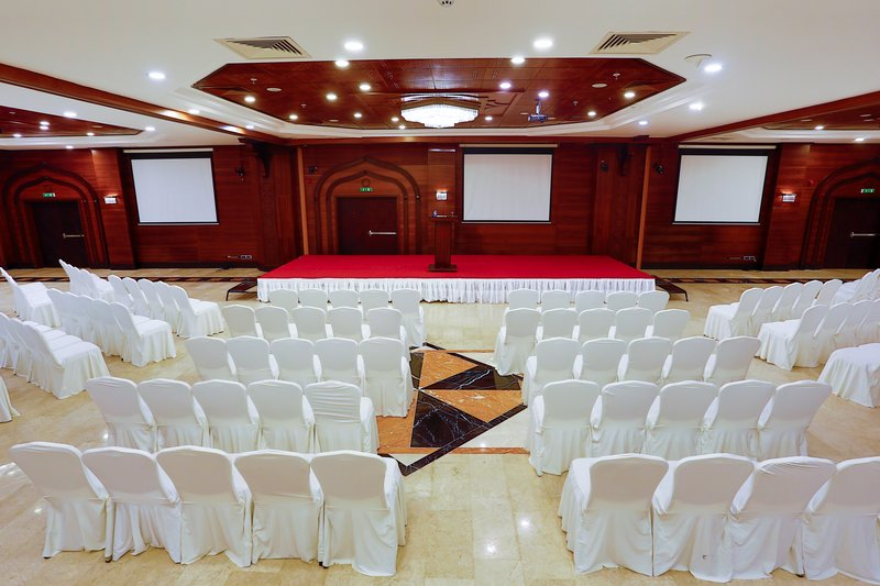 Crowne Plaza Antalya-Meeting Room<br/>Image from Leonardo