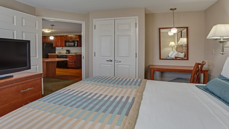 Candlewood Suites Ft. Lauderdale Airport/Cruise-One Bedroom Queen Suite<br/>Image from Leonardo