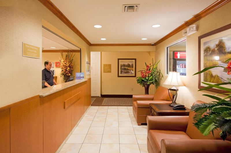 Candlewood Suites Ft. Lauderdale Airport/Cruise-Candlewood Suites Hotel Fort Lauderdale Airport - Lobby<br/>Image from Leonardo
