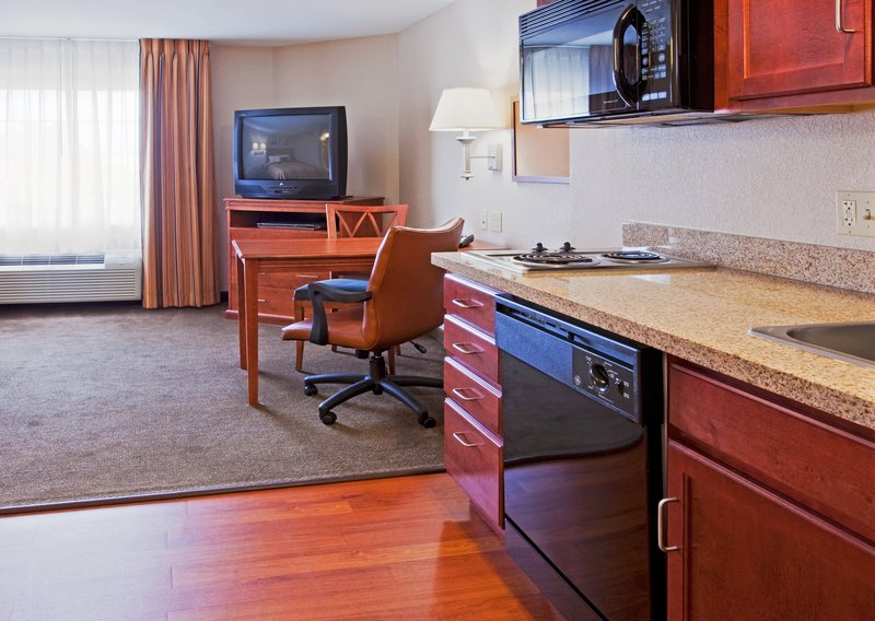 Candlewood Suites Ft. Lauderdale Airport/Cruise-Candlewood Suites Hotel Fort Lauderdale Cruise Port<br/>Image from Leonardo