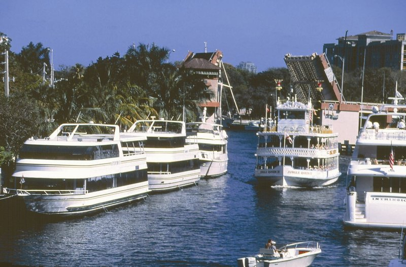 Candlewood Suites Ft. Lauderdale Airport/Cruise-Jungle Queen Sightseeing<br/>Image from Leonardo