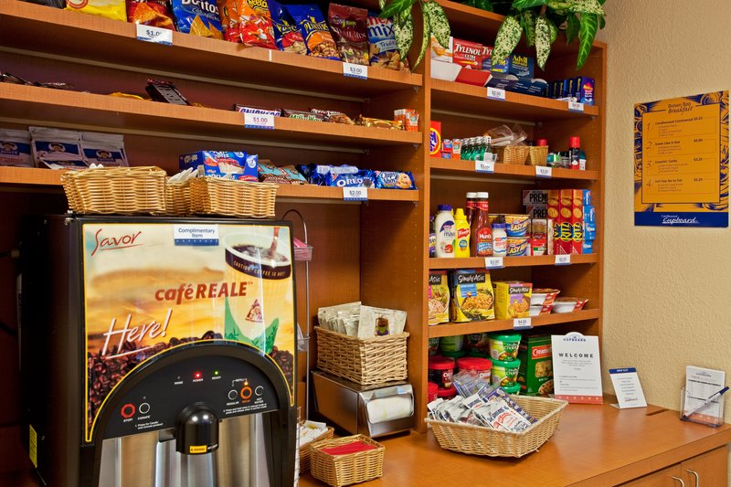 Candlewood Suites Ft. Lauderdale Airport/Cruise-Candlewood Cupboard<br/>Image from Leonardo