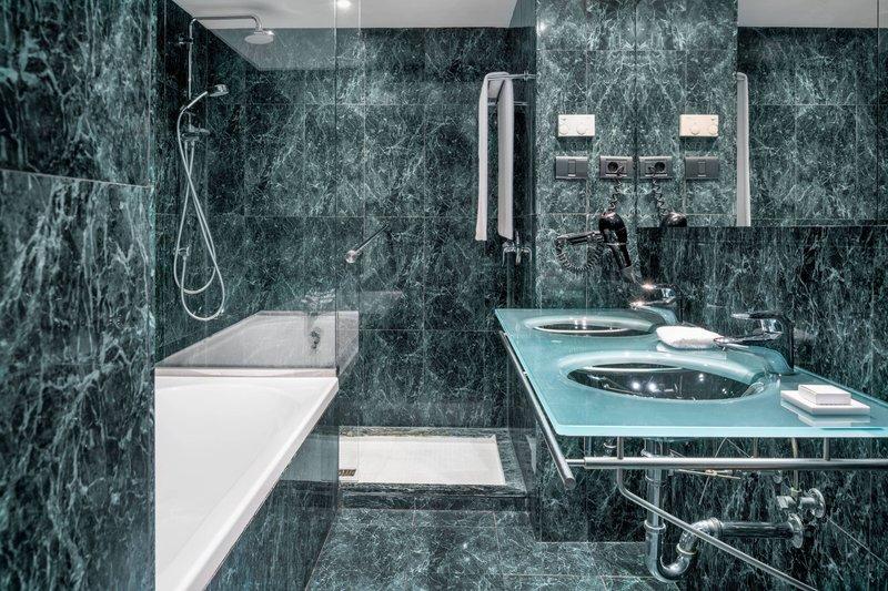 AC La Rioja-Guest Bathroom<br/>Image from Leonardo