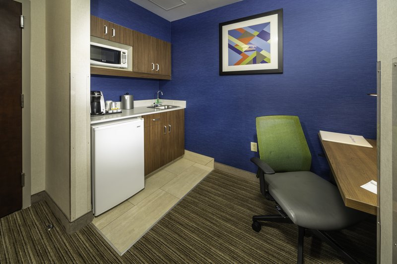 Holiday Inn Express Pasco - TriCities-Guest Room<br/>Image from Leonardo